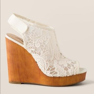 Lucky Brand Crochet Ivory Wedges (cute&comfy!)